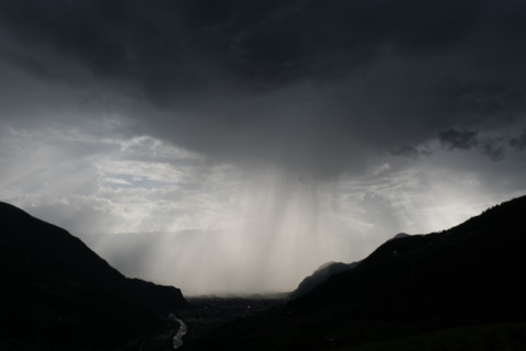 Gewitter über Bozen